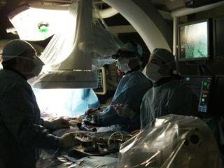 TAVIの手術中。トロント総合病院にて。