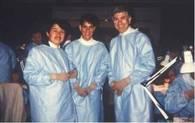 David先生(右端)らと一緒に。スタンフォード留学中の写真で、当時はひげをはやしていました。